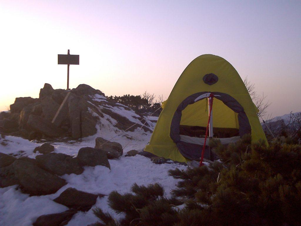 登山装備 テント
